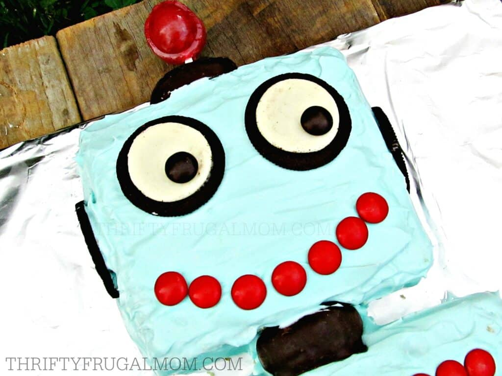 Easy Robot Cake- a great birthday cake