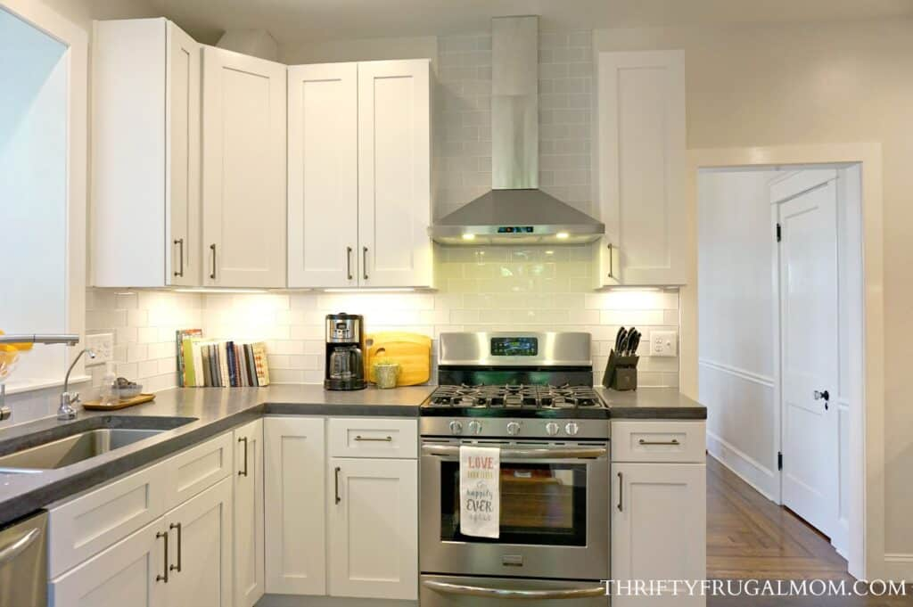 Easy Ideas For How To Save Money On A Frugal Kitchen Remodel.